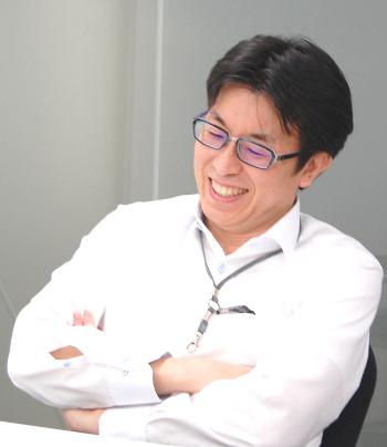 総務本部 総務部<br>主任 菅 祐二 様